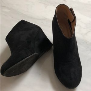 CHinese Laundry black Wedge Booties
